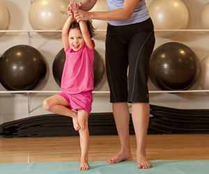 blog-post_300x250_family-yoga