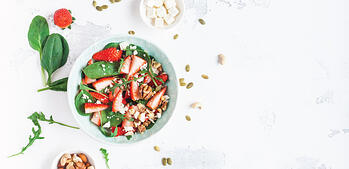 Recipe: Spring Salad with Berries and Nuts